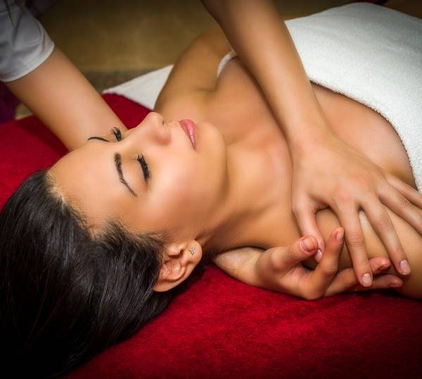 Lomi Lomi Hawaiian Massage
